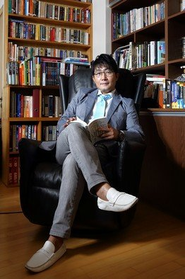 A private teacher in Korea earns   million/year from tutoring!