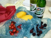 I made a journey around our hotel to pick up some fruit and beer. It was fun to try bargaining, without any language!