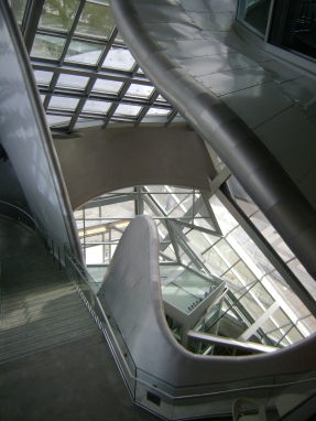 Alberta Gallery of Art: interesting architecture and art!