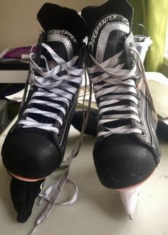 Skates (hockey skates)